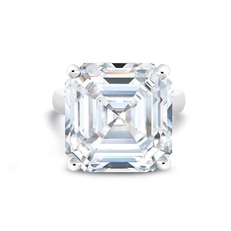 DE BEERS「DB Classic」高級珠寶鉑金鑽戒,主鑽採用「The 1888 Master Diamonds」系列中,重達21.32克拉的上丁方形切割美鑽╱價格店洽。(圖╱DE BEERS提供)