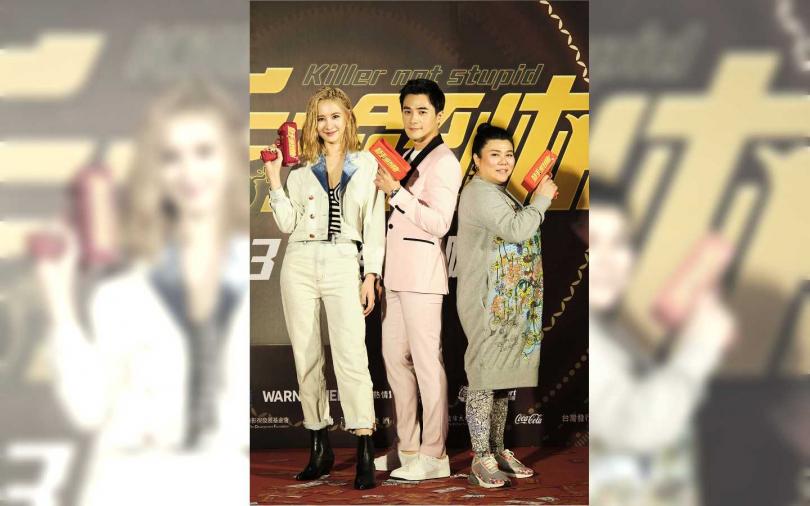 安心亞(左起)、是元介、林美秀前往台中進行電影宣傳。
