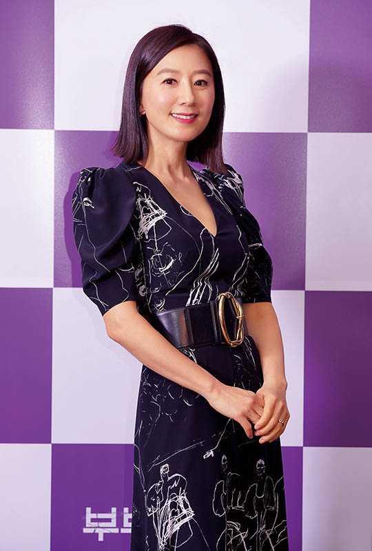 金喜愛演人妻多年,談過各種禁忌戀情。(圖/JTBC提供)