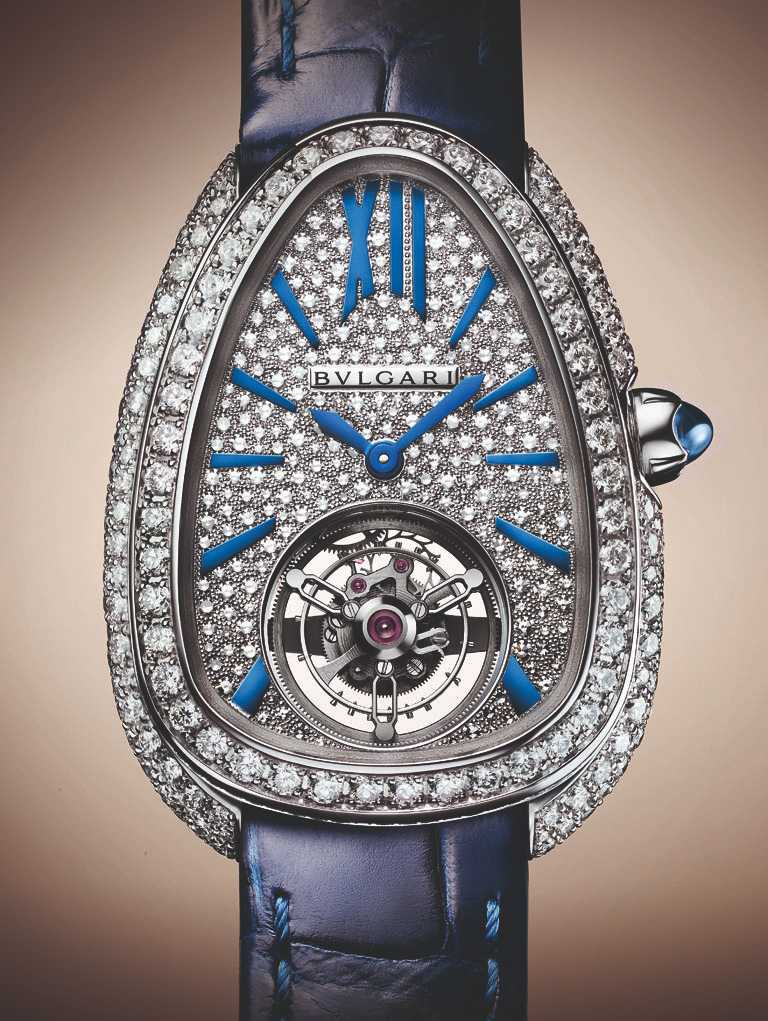 BVLGARI「Serpenti Seduttori系列」Toubillon陀飛輪腕錶,18K玫瑰金錶殼,錶徑34mm,鑽石530顆╱2,500,000元(圖╱BVLGARI提供)