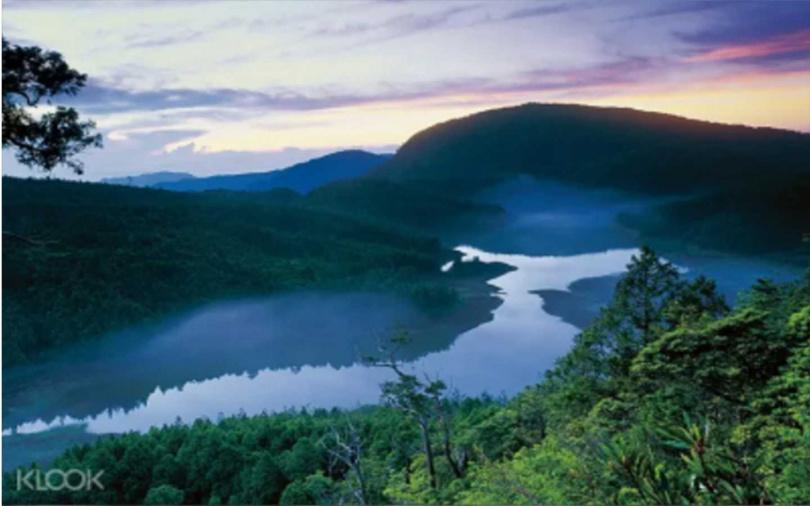 太平山國家森林遊樂區「翠峰湖」全景。(圖/KLOOK提供)