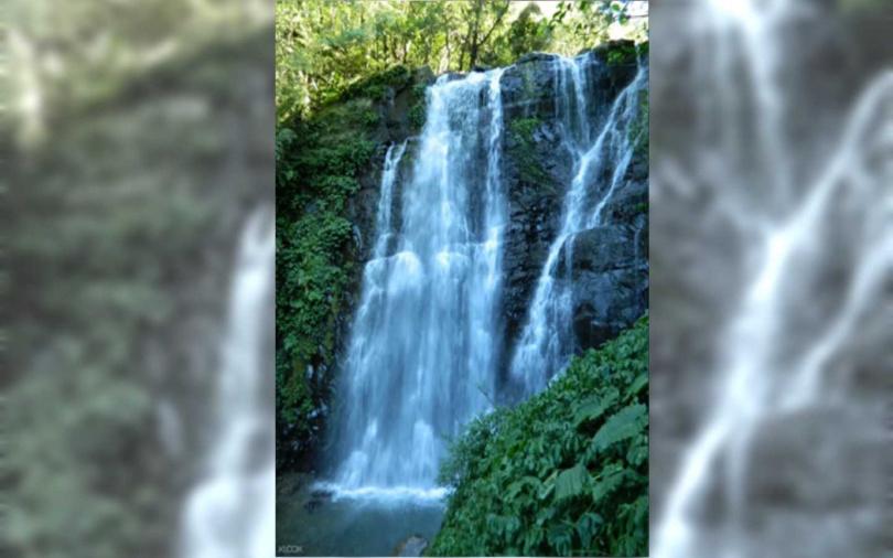 滿月圓瀑布瀑布直沖而下,非常壯麗。(圖/KLOOK提供)