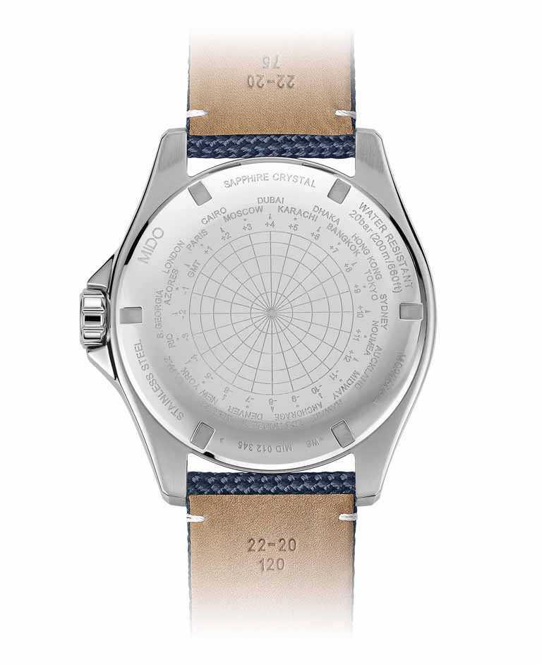MIDO「Ocean Star GMT海洋之星兩地時區腕錶」,緞面絲光打磨與拋光不鏽鋼錶殼,背面鐫刻時區顯示及序號。(圖╱MIDO提供)
