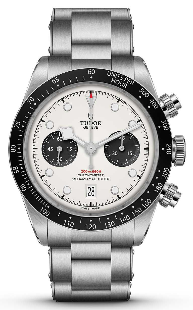 TUDOR「Black Bay Chrono碧灣計時」型腕錶,蛋白色面盤、鉚釘鋼鍊款╱165,000元。(圖╱TUDOR提供)