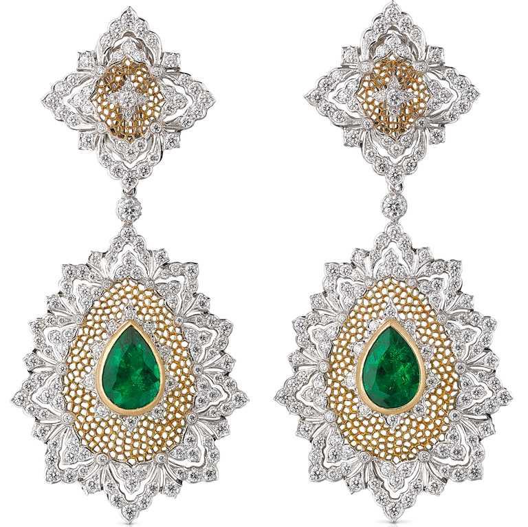 BUCCELLATI「Cocktail」系列高級珠寶,頂級祖母綠黃金白金鑽石耳環╱頂級玫瑰金手環,鑲嵌花式切割孔雀石與密鑲鑽石╱10,400,000元。(圖╱BUCCELLATI提供)