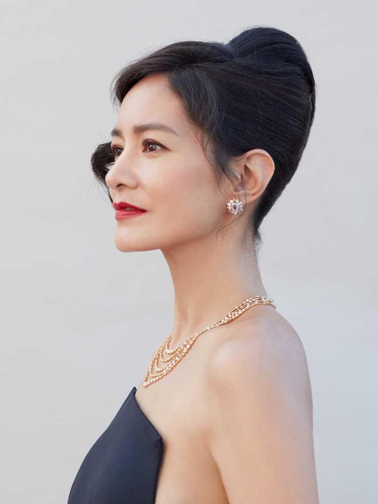 Janet謝怡芬佩戴DE BEERS鑽石珠寶,璀璨閃耀第56屆金鐘獎頒獎典禮。(圖╱DE BEERS提供)