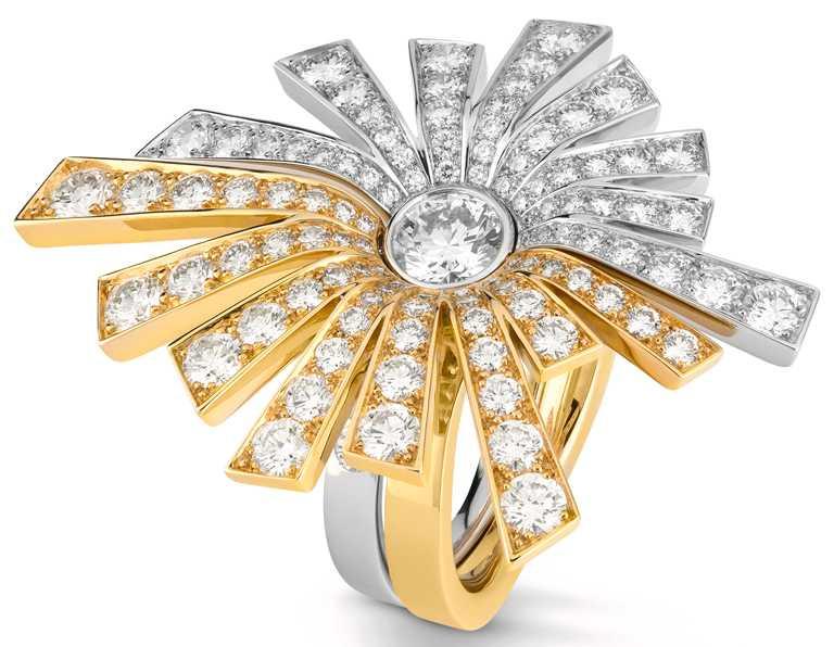 CHANEL「Soleil de CHANEL」戒指,18K白金及黃金,鑲嵌1顆重約0.51克拉明亮式切割鑽石,及111顆重約2.48克拉明亮式切割鑽石╱1,198,000元。(圖╱CHANEL提供)