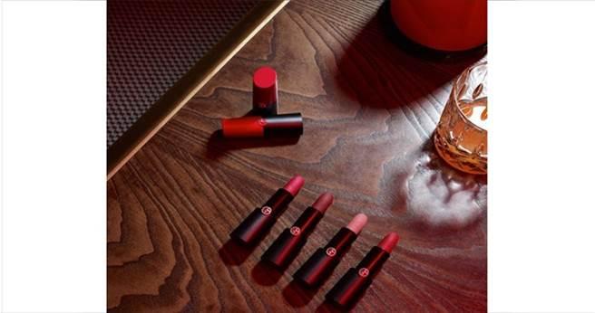 Giorgio Armani奢華訂製柔霧唇膏(圖片翻攝Giorgio Armani IG)