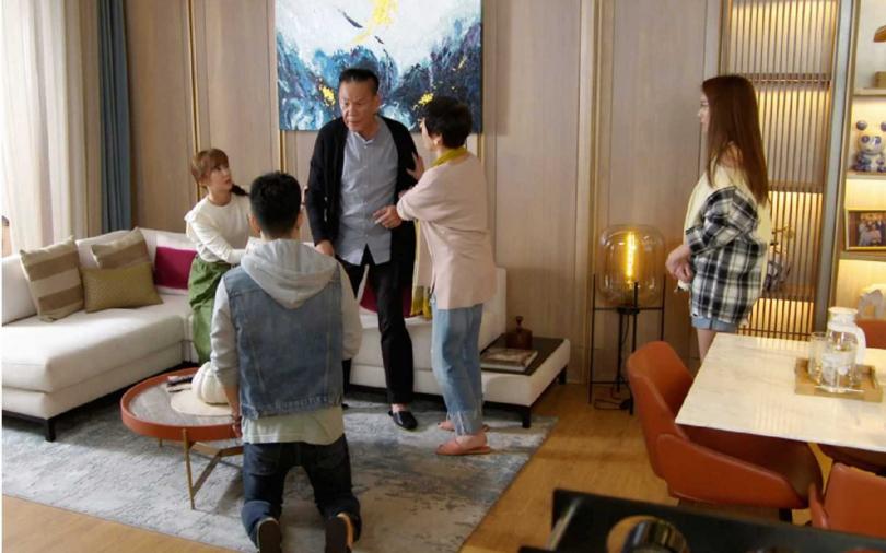 劇中JR紀言愷因為和邱佩淇發生婚外情,而引發家庭革命。 (圖/東森提供)