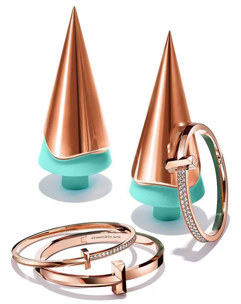 TIFFANY & CO.「Tiffany T1」系列,18K玫瑰金手環╱335,000元起。(圖╱TIFFANY & CO.提供)