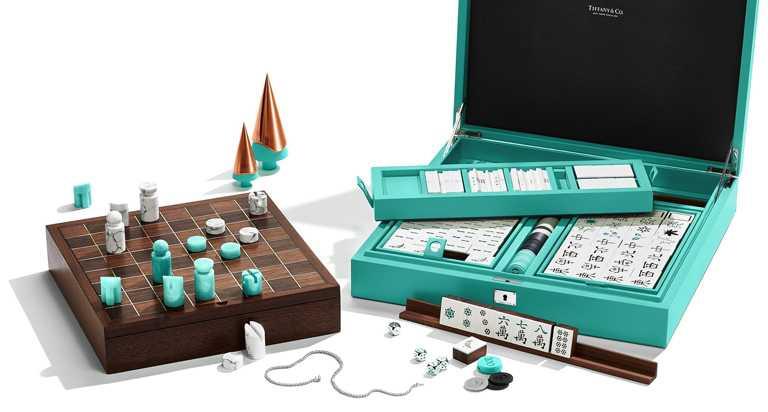 TIFFANY & CO.「西洋棋組」╱363,000元;「麻將組」╱545,000元。(圖╱TIFFANY & CO.提供)