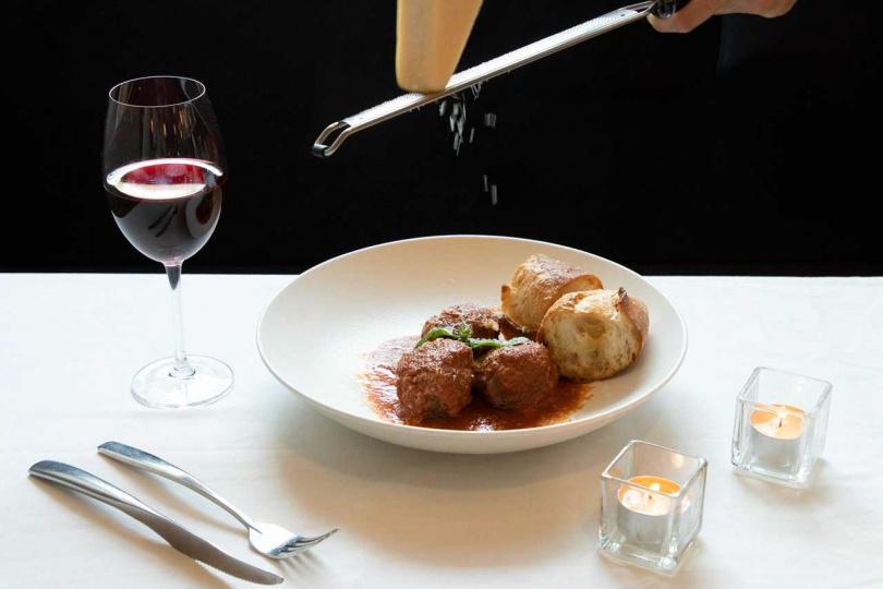 「拿坡里茄汁燉牛肉丸」是「隱糧」特別研發的料理之一。
