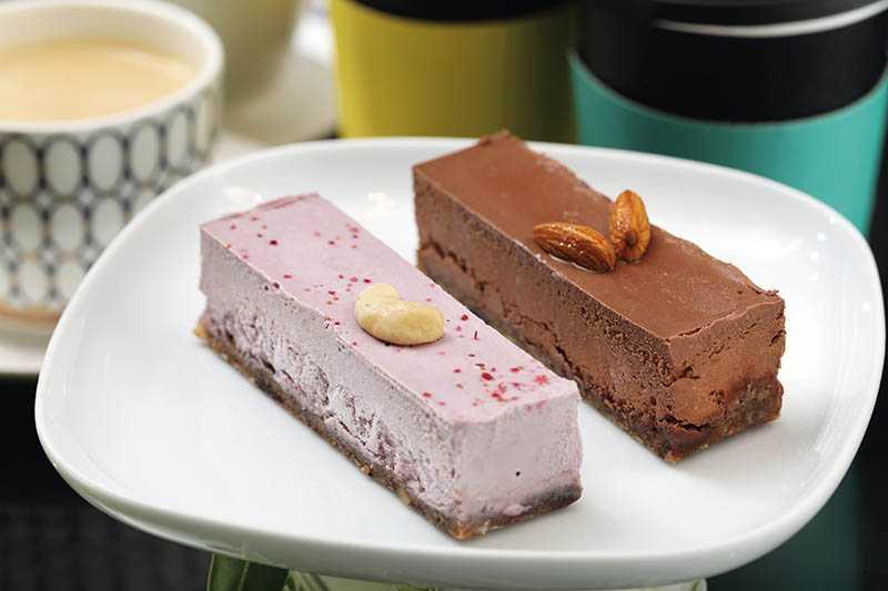 「防彈蛋糕」有覆盆子、巧克力、草莓、檸檬等口味(150~190元)。(圖/于魯光攝)