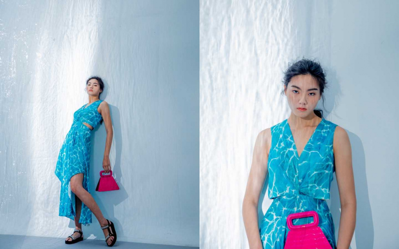 maje 水波紋挖腰長洋裝/12,750元、鱷魚壓紋梯型包/11,360元、珍珠一字寬帶涼鞋/9,050元(圖/莊立人攝)