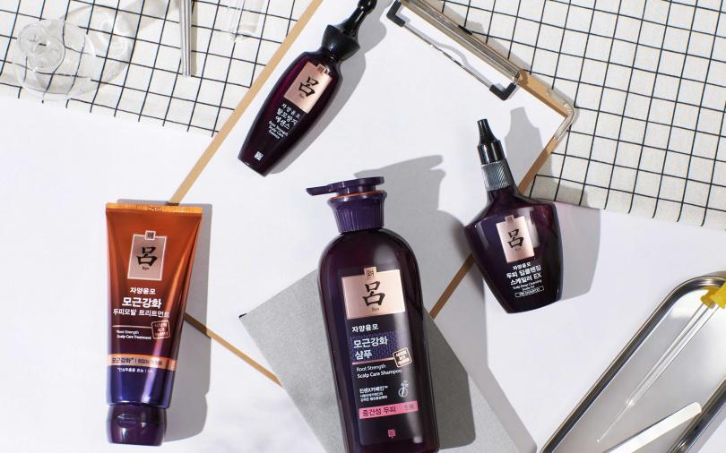 包含滋養韌髮深層清潔液、滋養韌髮強化髮根洗髮精、滋養韌髮蔘層髮膜跟滋養韌髮頭皮精華液的四步驟,一次全收配著用,是最完美的髮根強健方案。(圖/品牌提供)