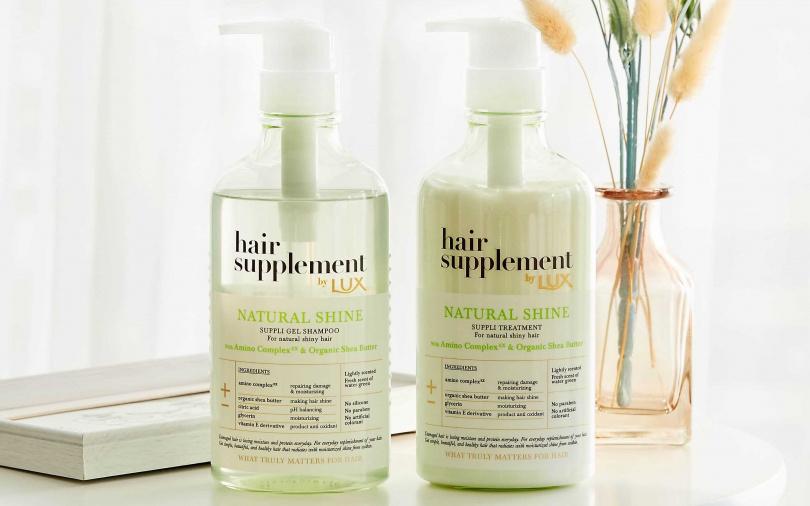 LUX膠原蛋白胺基酸洗髮精/399元、LUX膠原蛋白胺基酸護髮乳/399元使用時還有淡淡香味,療癒心情的同時穩定秀髮,大幅減少頭髮易斷撞牆期。(圖/品牌提供)