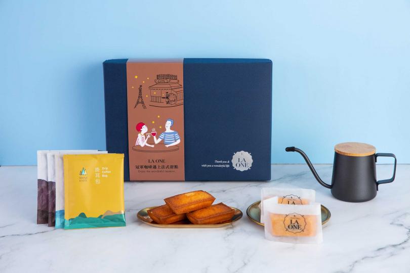 LA ONE X SIMPLE KAFFA興波咖啡聯名禮盒。(圖/LA ONE)