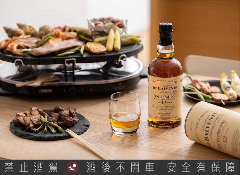 餐桌BBQ百搭「百富12年雙桶單一麥芽威士忌」 NT$1,400/700 ml  酒精濃度:40%(格蘭父子提供)