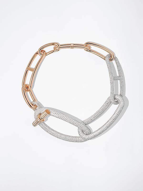 HermèsAdage Hermès玫瑰金與白K金鑲白鑽項鍊/30,074,500元。(圖/品牌提供)