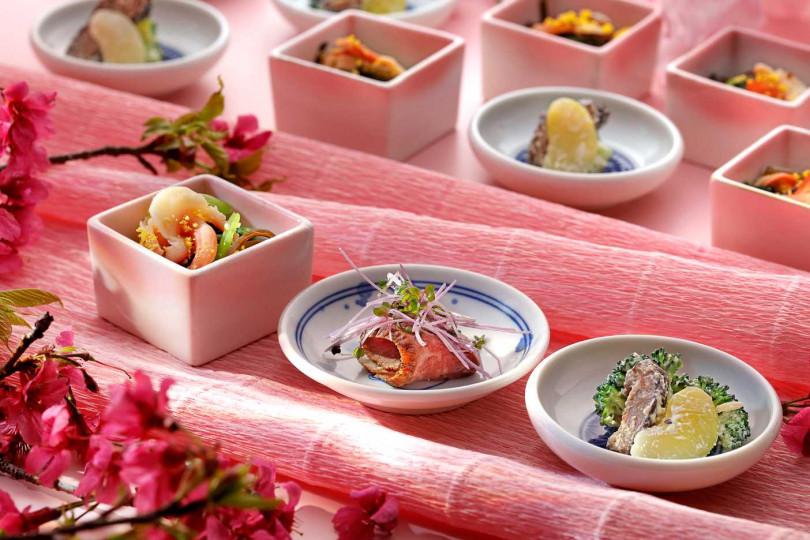 小缽料理左起為蘭花蚌利匛和、春陽嫩牛肉、旬菜春霞和。(圖/欣葉日本料理提供)