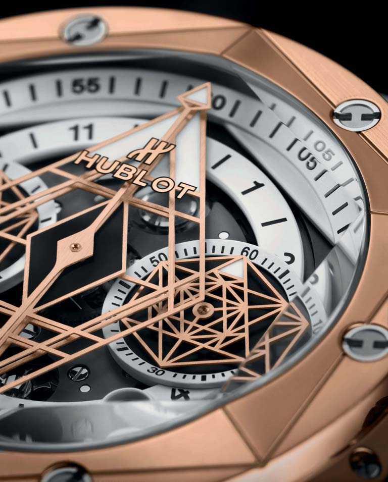 霧白鏤空面盤,稜角分明的立體幾何圖形,建構腕錶的每一吋空間,將Unico機芯的機械美感展露無遺。(圖╱HUBLOT提供)