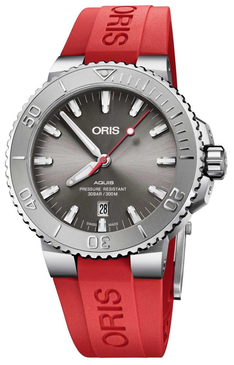 ORIS「Aquis Relief」日期潛水腕錶,不鏽鋼錶殼,733型自動上鏈機芯,43.5mm╱52,000元。(圖╱ORIS提供)