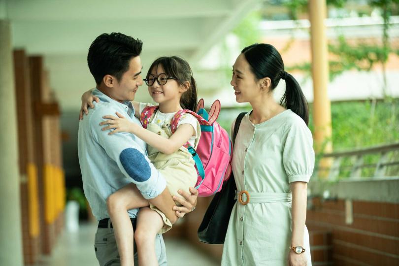 是元介、吳可熙化身拚命姊弟,入戲救女、敬業掛彩。