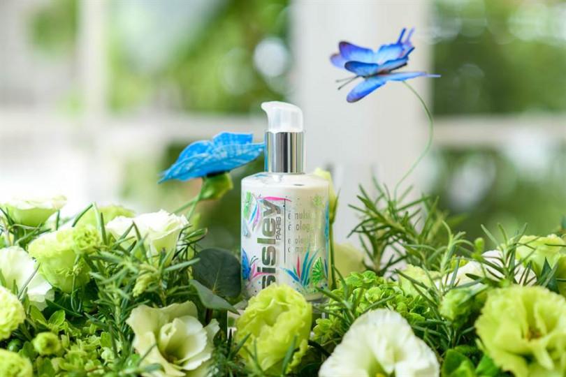夏日的花園限量設計瓶,讓你的眼球跟肌膚的大飽口福!