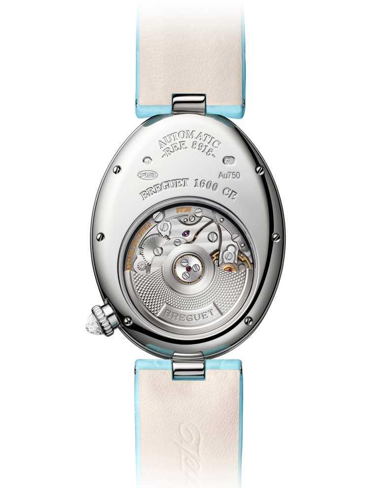 BREGUET「Reine de Naples 8918那不勒斯王后系列」仕女鑽錶,透過錶背的藍寶石水晶底蓋,機芯的運行型態清晰可見。(圖╱BREGUET提供)