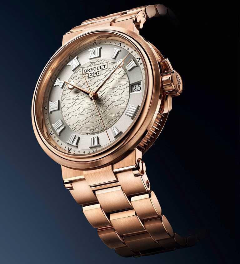BREGUET「Marine 5517航海系列」大三針日期腕錶╱玫瑰金款,40mm╱1,582,000元。(圖╱BREGUET提供)
