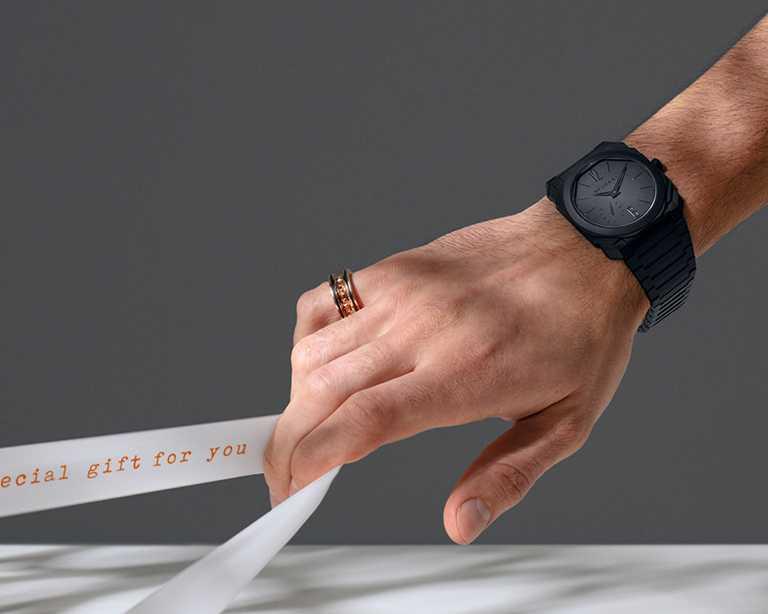 BVLGARI「OCTO FINISSIMO系列」自動上鍊陶瓷腕錶╱510,000元。(圖╱BVLGARI提供)