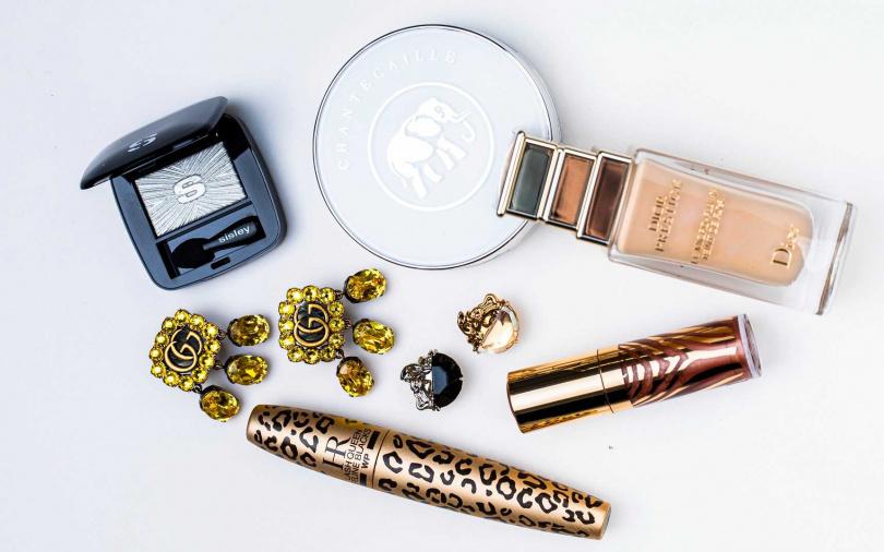 這些都是護膚型彩妝>>sisley植物光感保養眼影 #42/1,500元、CHANTECAILLE鑽石精萃氣墊粉餅/4,300元、Dior精萃再生花蜜微導粉底/3,950元、sisley炫光水漾保養唇蜜 #9/1,600元、HELENA RUBINSTEIN獵豹濃密纖長防水睫毛膏/1,450元(圖/莊立人攝影)