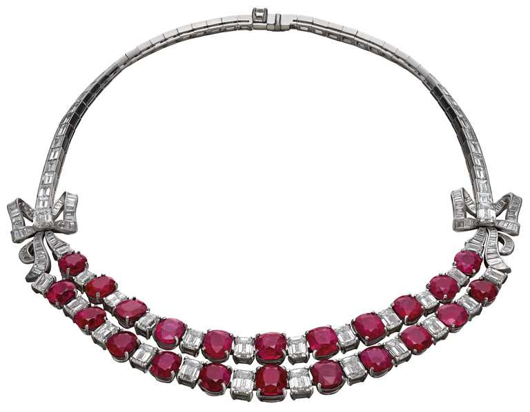 BVLGARI「Heritage典藏」系列,頂級紅寶石與鑽石項鍊。(圖╱BVLGARI提供)
