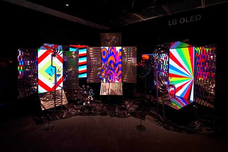 《BVLGARI COLORS寶格麗色彩》特展,於首爾Hangaram美術館舉辦,集結韓國著當代藝術巨匠作品,與寶格麗珠寶的鮮豔色彩完美呼應。(圖╱BVLGARI提供)