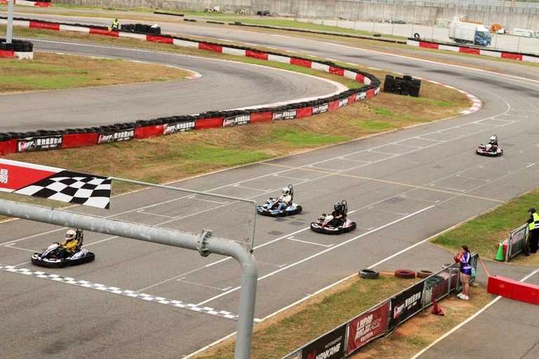 麗寶結合賽車體驗,除住宿觀看賽車比賽外,還可以親自下場來場卡丁車競速。