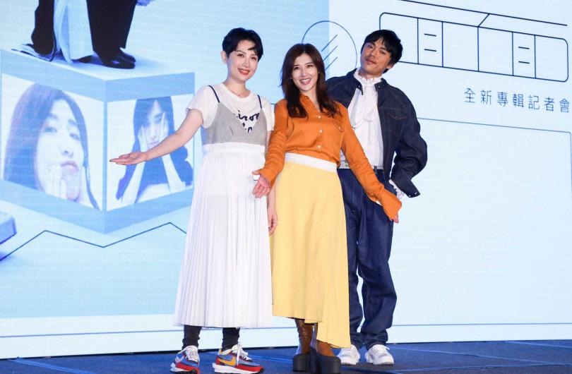 發片記者會上,在專輯中合作的HUSH(右)、魏如萱(左),都來為蘇慧倫站台。(圖/林士傑攝影)
