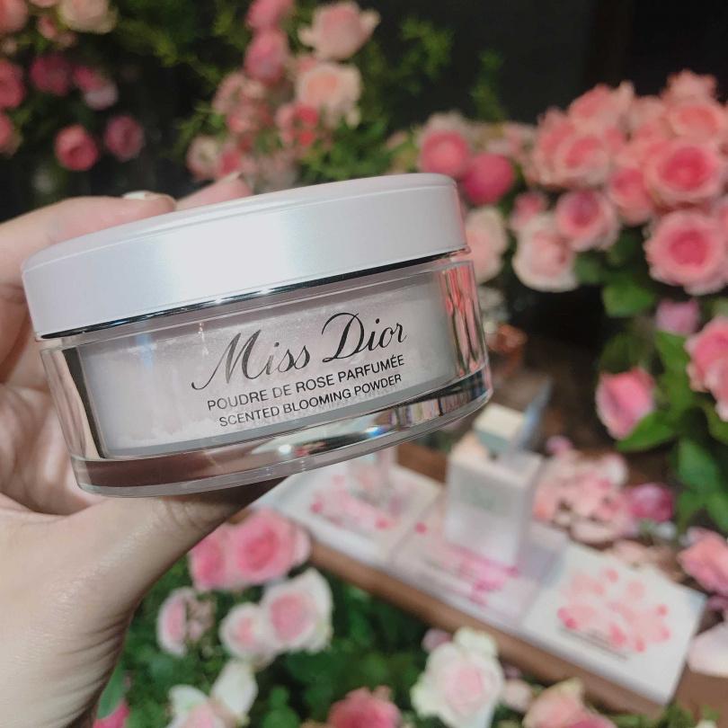 Miss Dior花漾迪奧香體蜜粉16g/1,850元(圖/黃筱婷攝影)