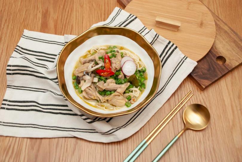 泰式綠咖哩拌麵/飯。(圖/老媽拌麵提供)
