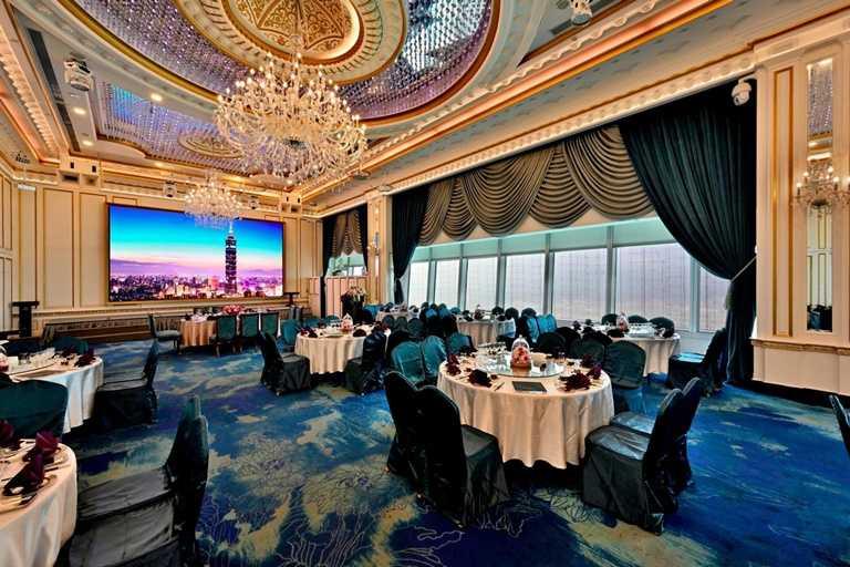 頂鮮台南擔仔麵台北101店為高空景觀餐廳。