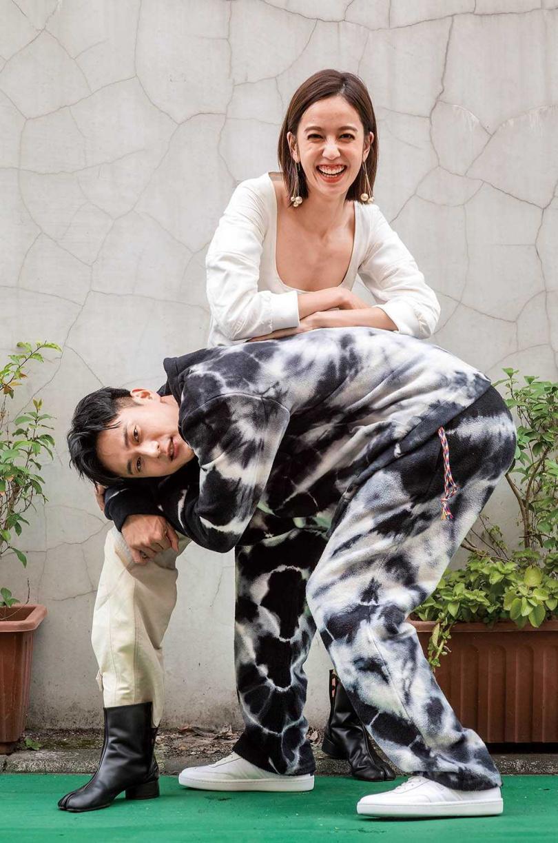 同門的陳庭妮和劉冠廷相識多年,互動十分熱絡。(圖/張祐銘攝)