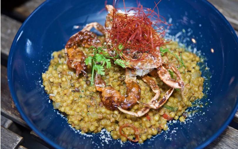 南洋風沙嗲薩丁尼亞軟殼蟹。(圖/ABV閣樓餐酒館提供)