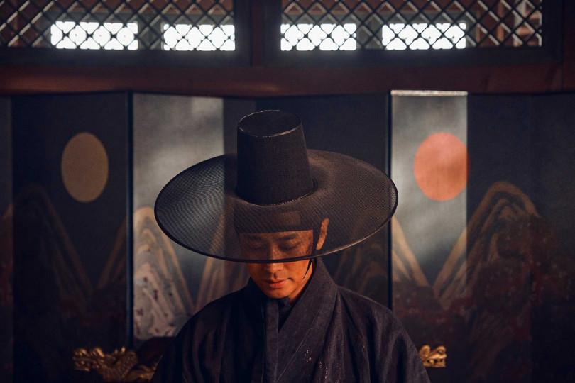 朱智勛在劇中飾演皇子「李蒼」,而韓國歷史中真的有李姓皇室所建立的王朝。(圖/Netflix提供)