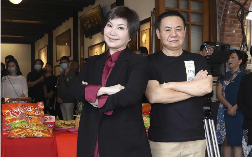 蔡振南(右)和唐美雲繼《月夜情愁》後,兩人再度合作演出歌仔戲。(圖/林士傑攝影)