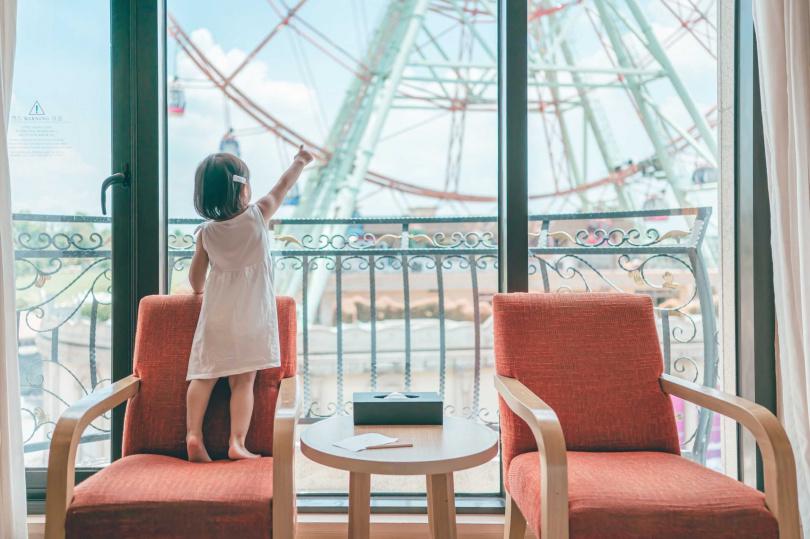 可免費升等的豪華家庭房房型,視野良好,面對著義大摩天輪。