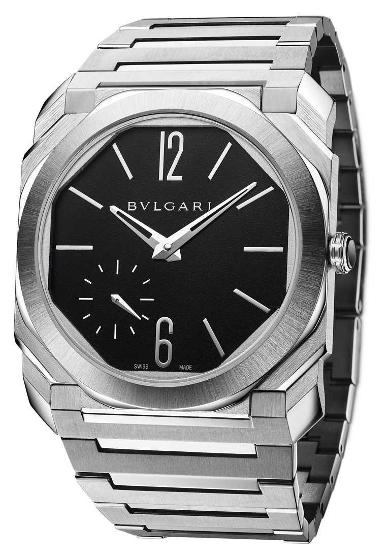 喬許歐康納佩戴BVLGARI「Octo Finissimo Automatic」緞面拋光精鋼超薄自動腕錶,出席金球獎盛會。(圖╱BVLGARI提供)