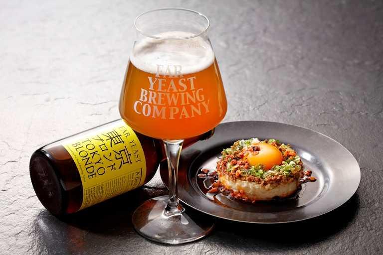 東京金啤酒很適合搭配馬鈴薯擔擔沙拉。
