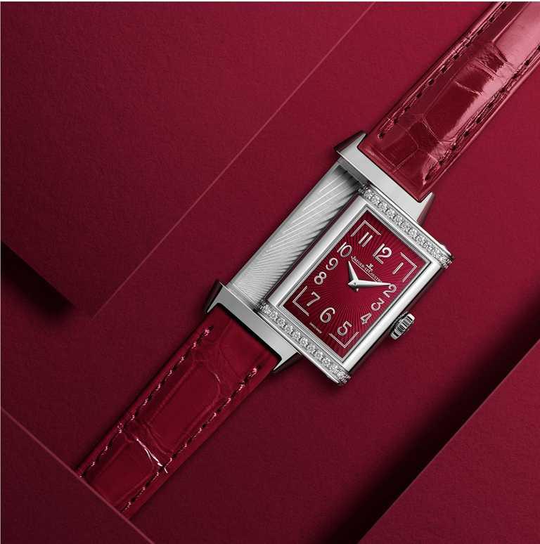 JAEGER-LECOULTRE「Reverso One翻轉系列」Red-Wine酒紅款腕錶,精鋼錶殼╱價格店洽。(圖╱JAEGER-LECOULTRE提供)