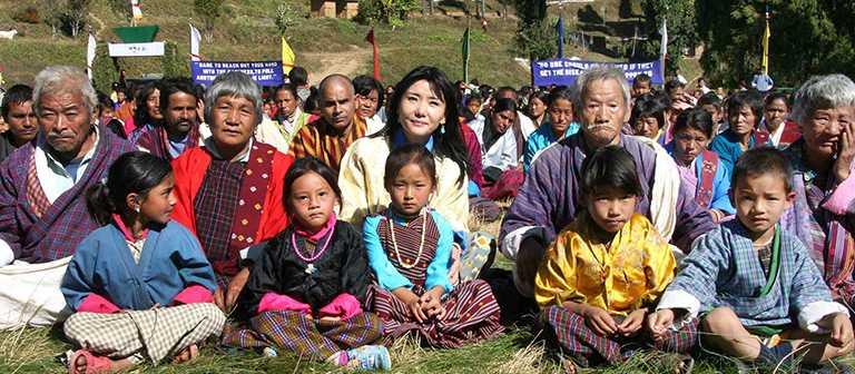 由不丹皇太后桑傑‧曲登所創辦的「皇太后慈善基金會」,長期推動公益活動,包含協助弱勢婦女、支助兒童教育、傳統文化延續與建造心靈成長空間等項目。(圖╱Khieng ATELIER提供)