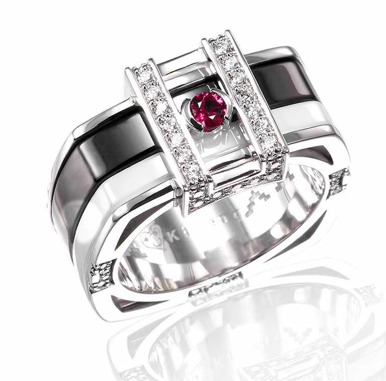 Khieng ATELIER「MEET LOVE」訂製慈善珠寶,女版╱88,000元。(圖╱Khieng ATELIER提供)