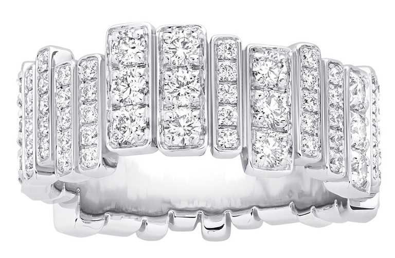 DIOR「Gem Dior」白金鑽石戒指╱610,000元。(圖╱DIOR提供)